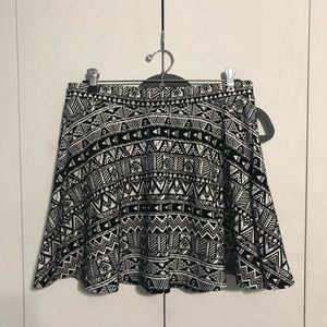 Aeropostale Black and White Patterned Circle Skirt